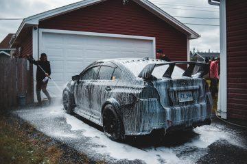 Biltvätt - Bilvårdsprodukter i hemmet